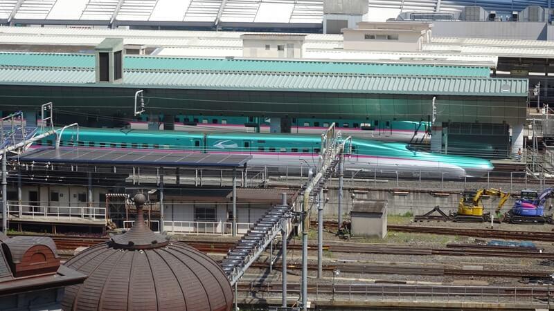 東京駅と東北新幹線